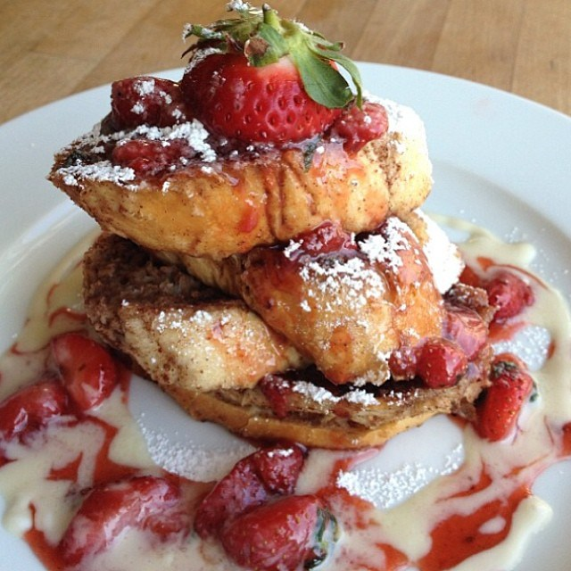 strawberry-basil-french-toast